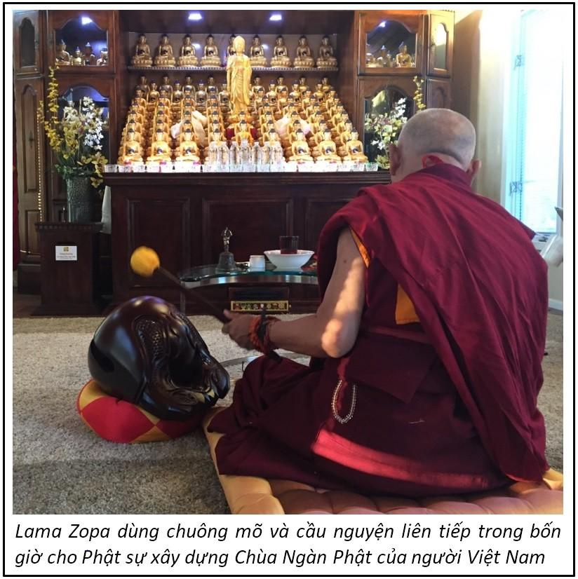 Lama Zopa dung chuong mo